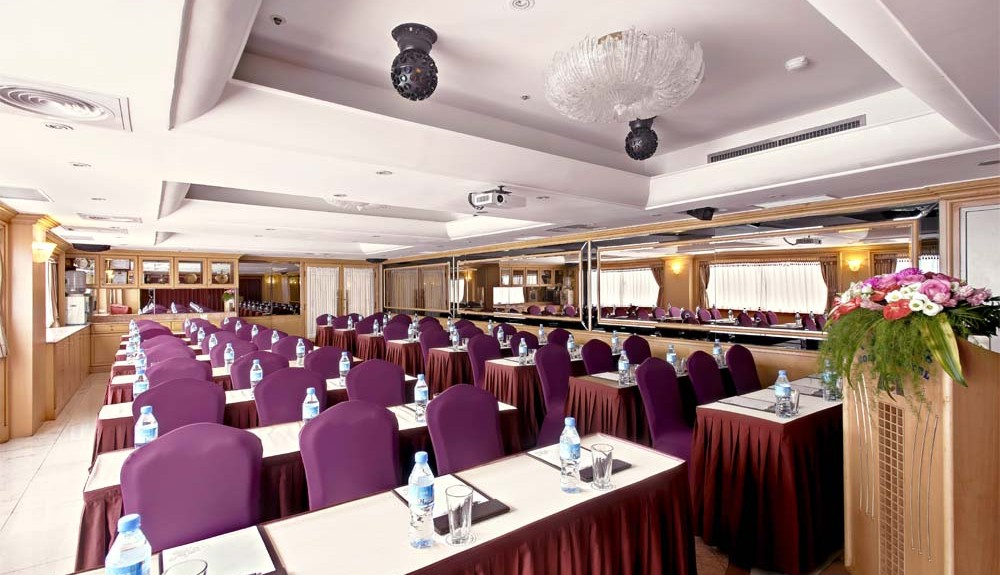 17f-yaward-banquet-room
