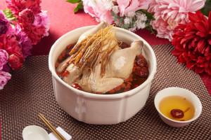 天成飯店集團 蟲草菌菇燉雞湯