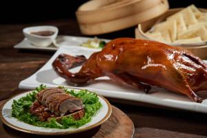 世貿國際會館 吃雞饗鴨揪團聚 明爐烤鴨